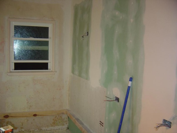 DIY-small/narrow bathroom, not complete yet, close the door, fix the wall    , Bathrooms Design