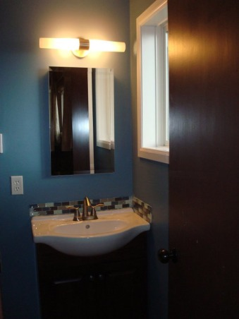 1/2 bath remodel, This 4X6 bath i believe was original to it's building in 1969.... and it looked it!, Bathrooms Design