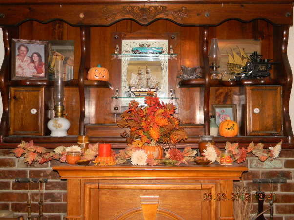 The Colors of Autumn, My home decorated for Halloween and Thanksgiving, Family room mantle, Holidays Design