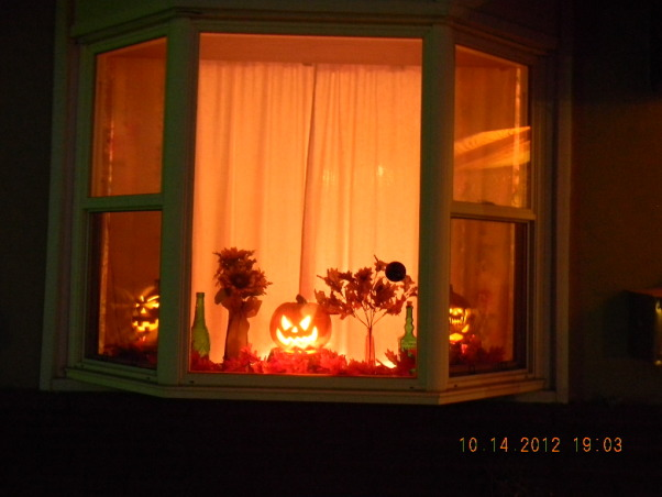 The Colors of Autumn, My home decorated for Halloween and Thanksgiving, Halloween Window display, Holidays Design
