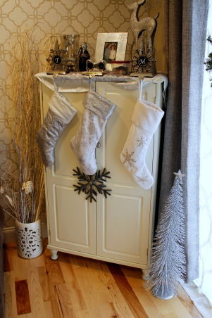 Classy Christmas, My decorations this Christmas - black, white, and mostly silver give it a chic look!, Holidays Design