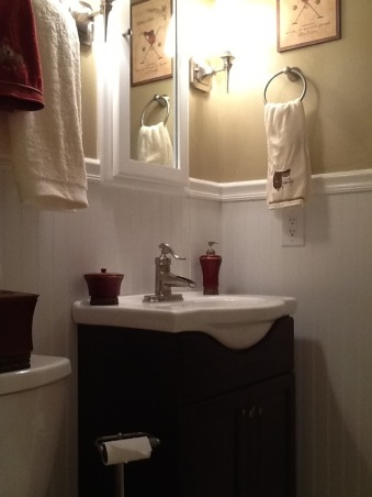 Small bathroom renovation, Homeowner small bathroom remodel, This vanity is wonderful.  It adds floor space to a small area. , Bathrooms Design