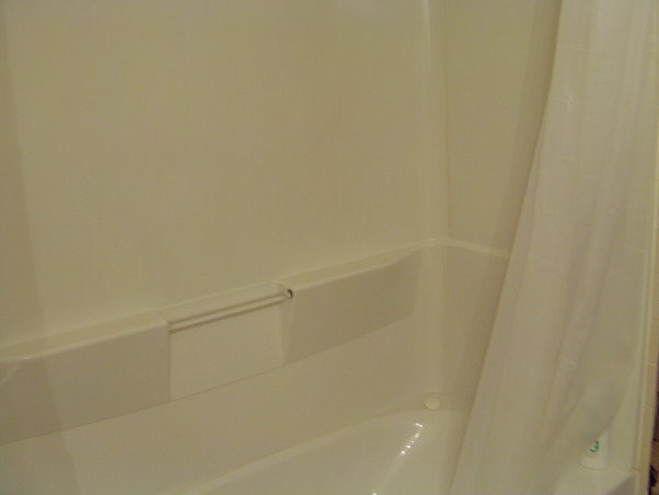 I am doomed, II have no Idea how to work with this bathroom. It is too small..., Bathrooms Design