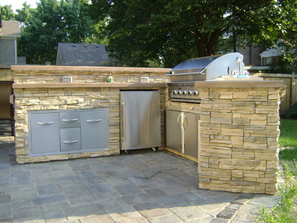 Outdoor Kitchen, Outdoor kitchen with bar and dining space., Side view of kitchen., Patios & Decks Design