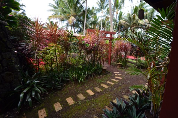 Bali House and Bali Cottage Hawaii, Bali and Asian Inspired tropical gardens in Hawaii., Asian Inspired Garden in Hawaii, Gardens Design