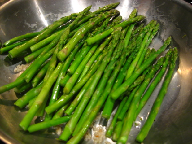 how to prepare asparagus on stove