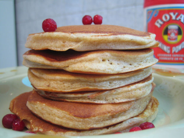 how many calories in whole wheat pancakes