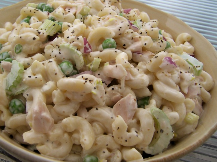 9 easy beach camping food recipes with little preparation Tuna and philadelphia pasta