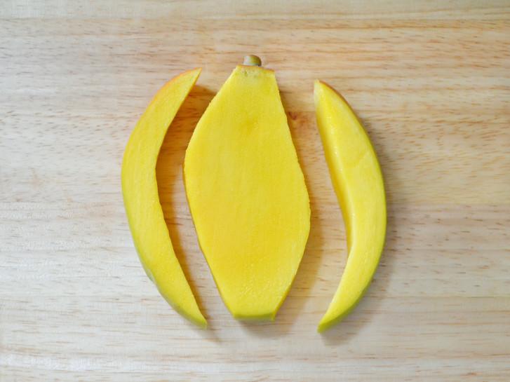 H2 cut mango sides 5