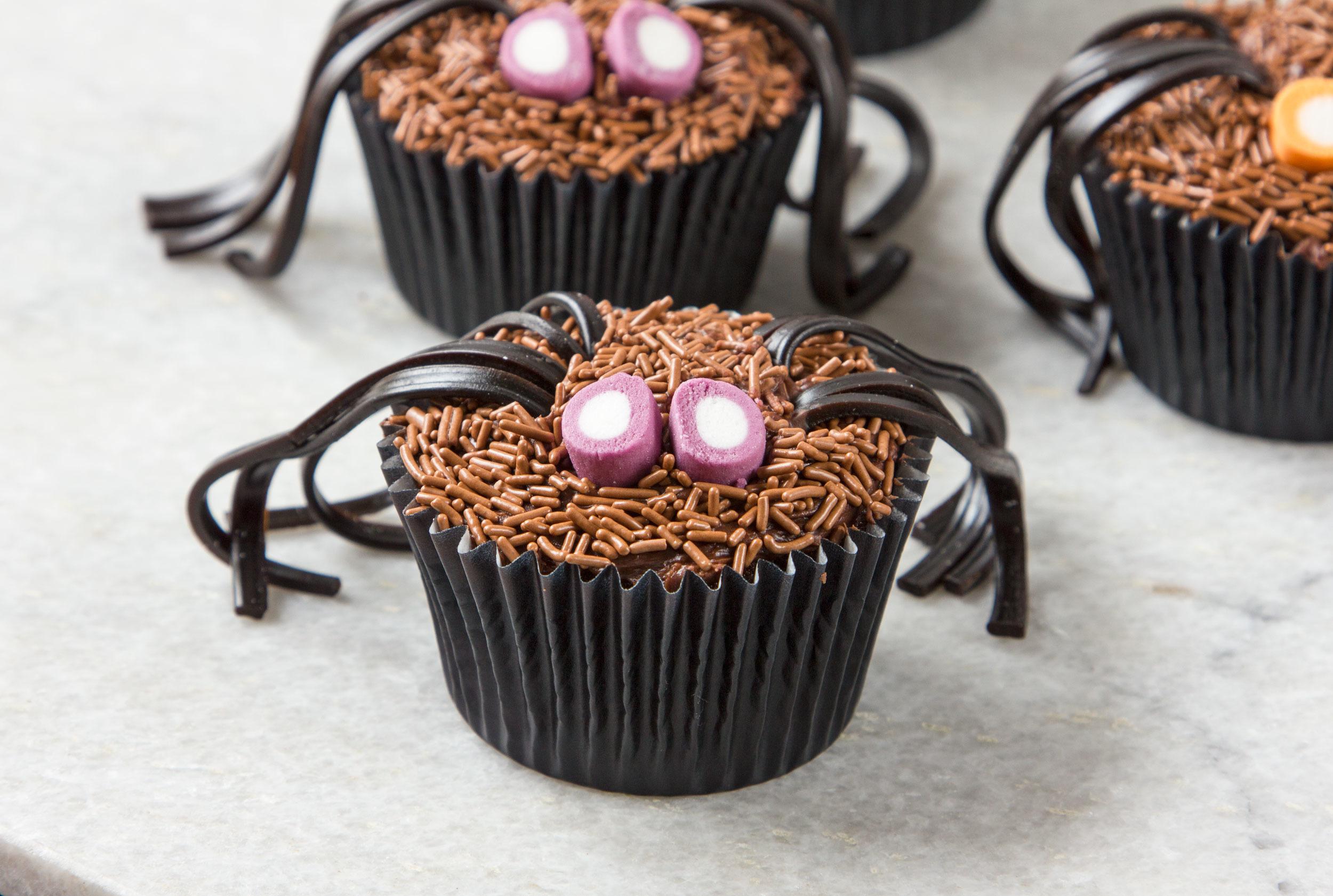 15 Fun Halloween Cupcakes
