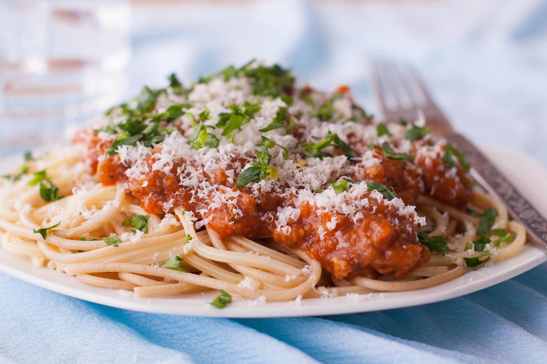 Italian pasta spaghetti manicotti ziti tortellini and more - Italian cuisine pasta ...