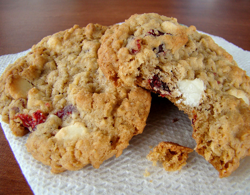 White Chocolate Chip Cranberry Oatmeal Cookies Recipe
