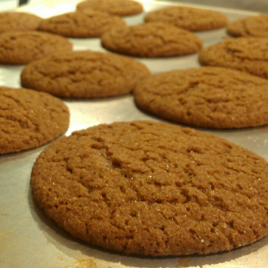 Chewy Gingersnaps Sparkle Cookies
