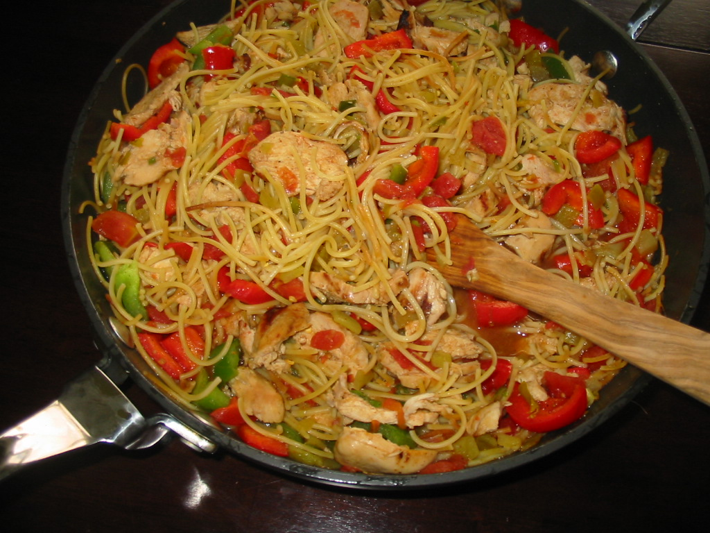 Mexican-Style Pasta With Chicken and Peppers Recipe