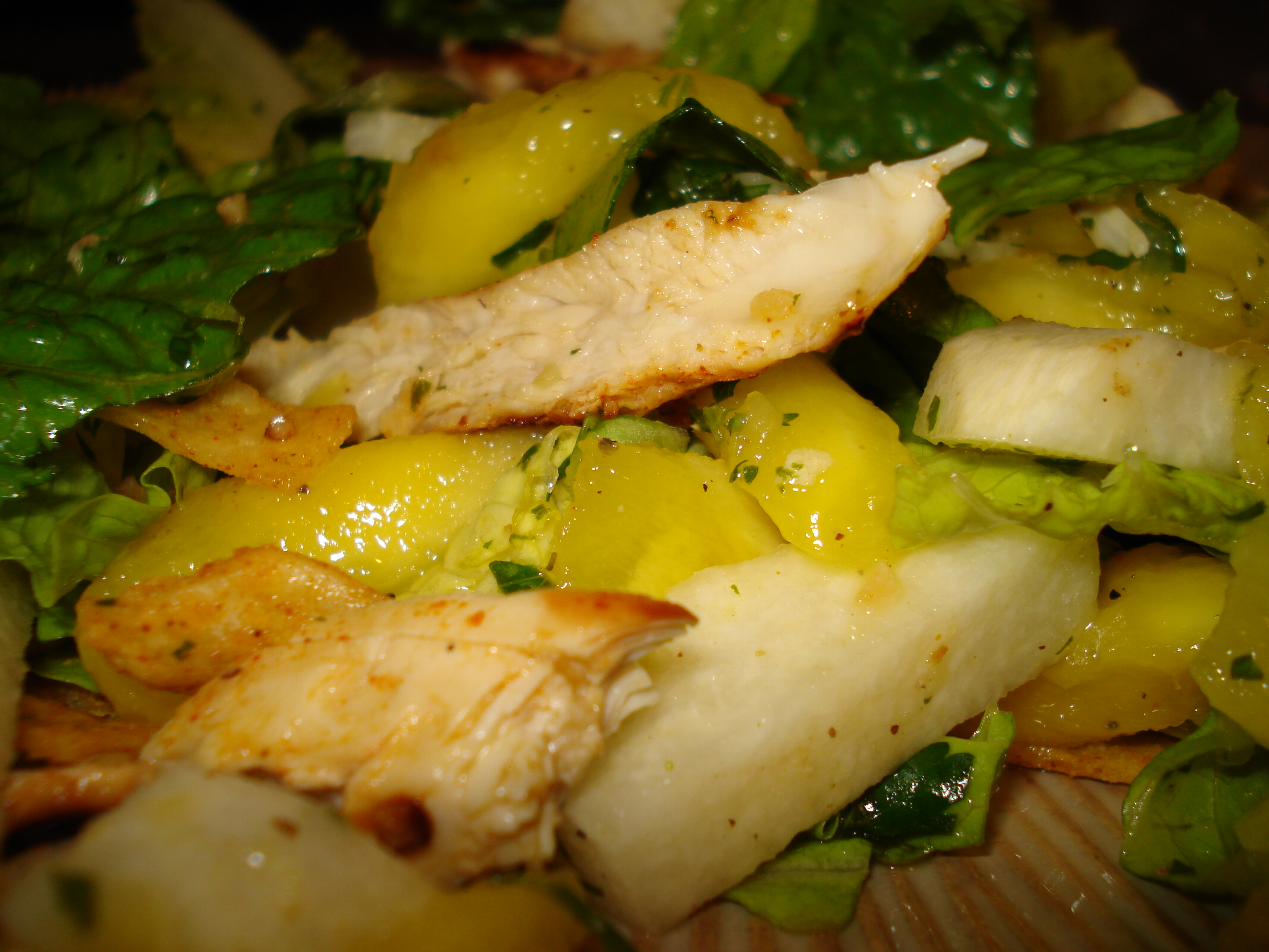 Chicken, Mango & Jicama Salad W Tequila-Lime Vinaigrette