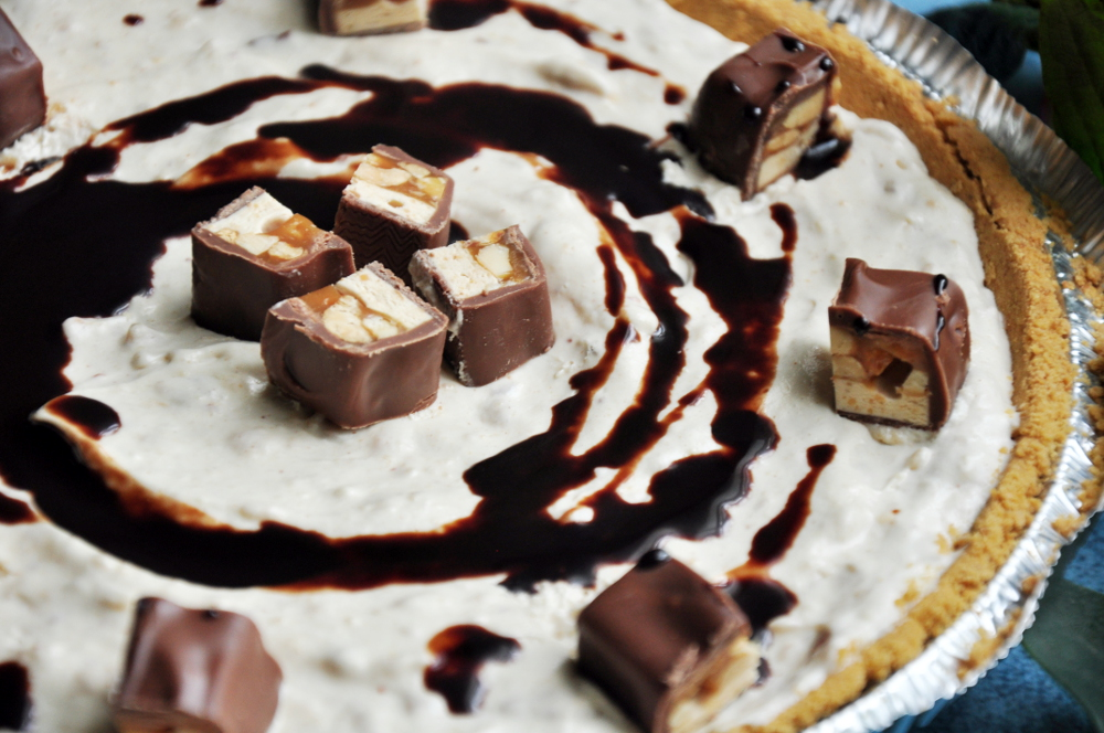 Easy Snickers Bar Pie Recipe