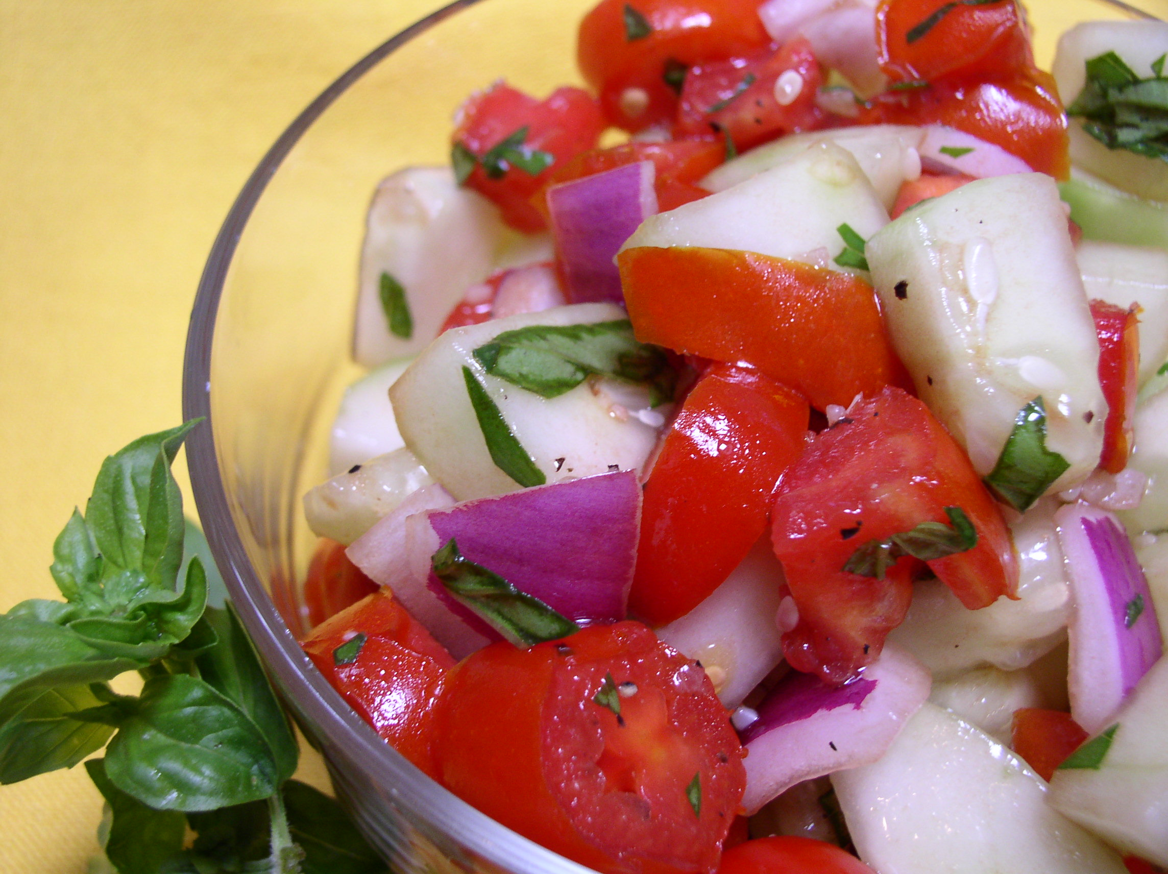 Healthy Cucumber-Tomato Salad Recipe