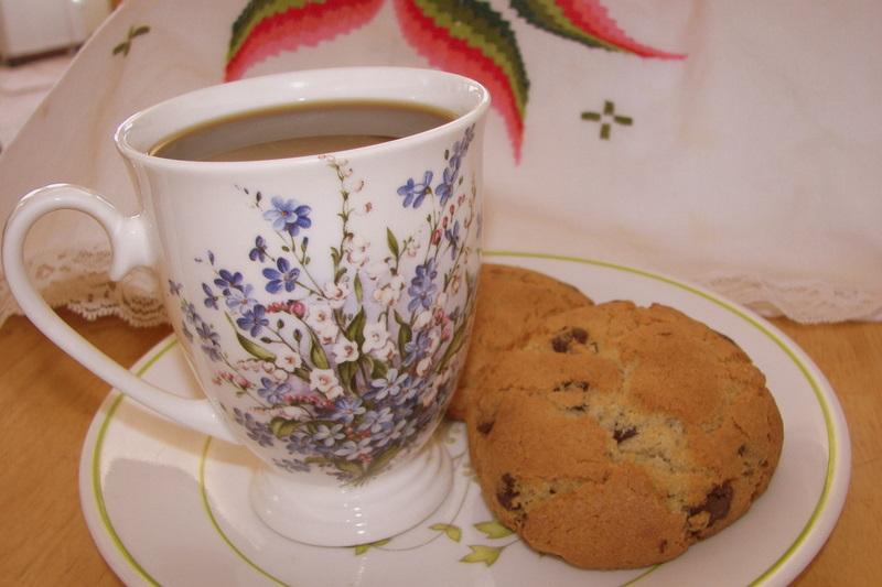 Mock-Levain Bakery Chocolate Chip Cookies