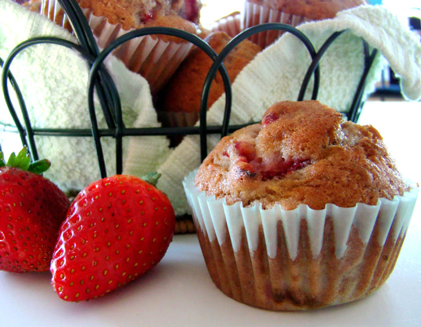 Berry-Smash Muffins (Strawberry Muffins)