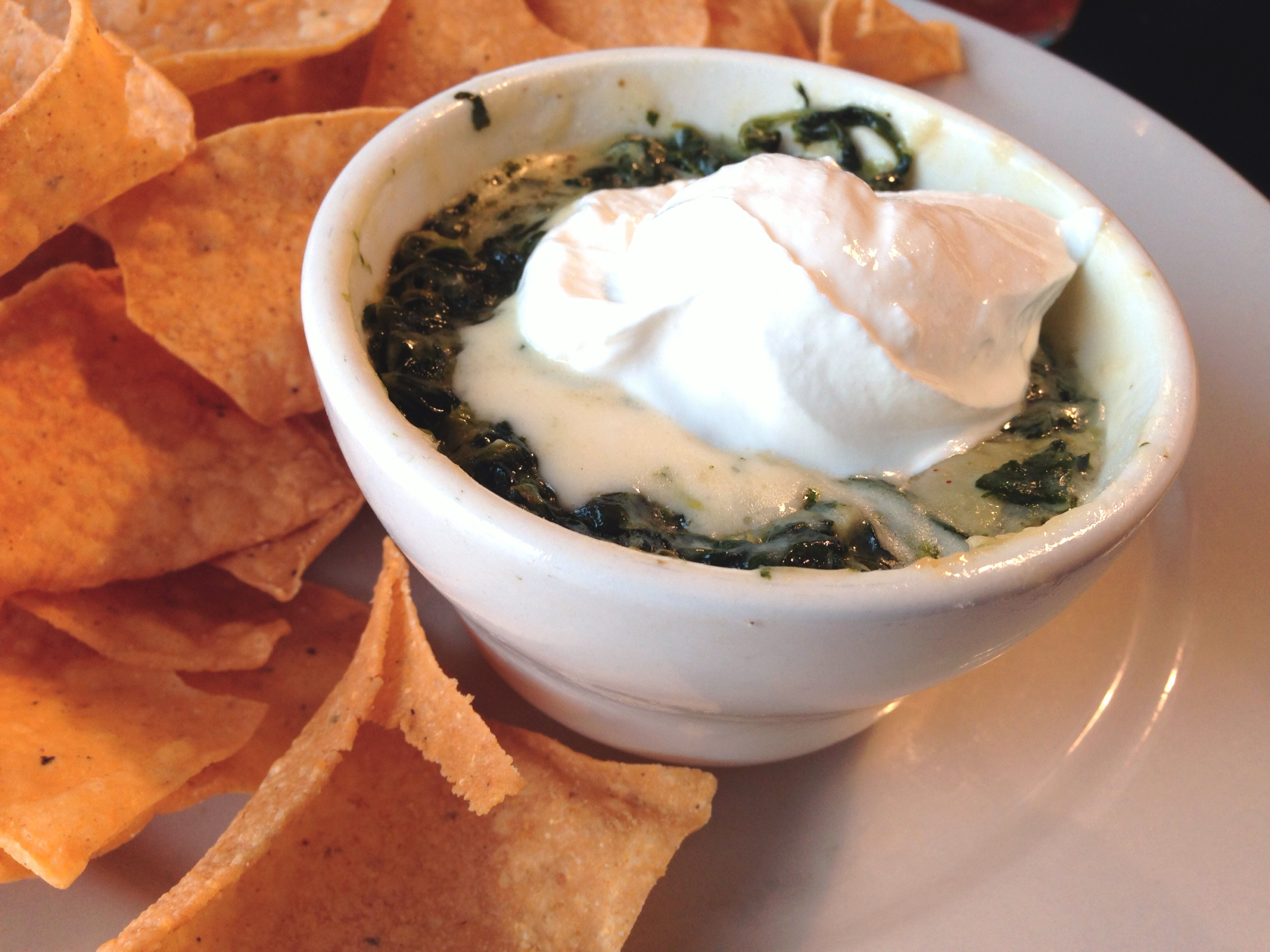 Copycat of T.G.I. Friday's Hot Artichoke and Spinach Dip