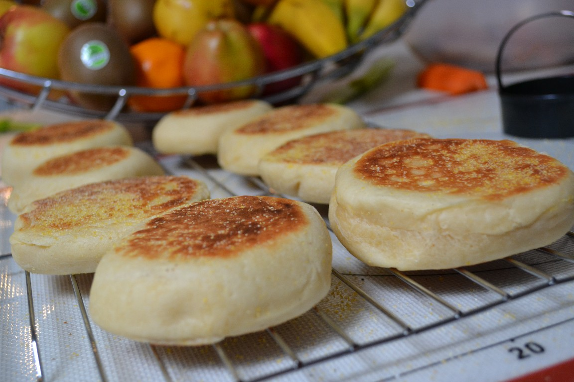 English Muffins (Bread Machine Method). Recipe