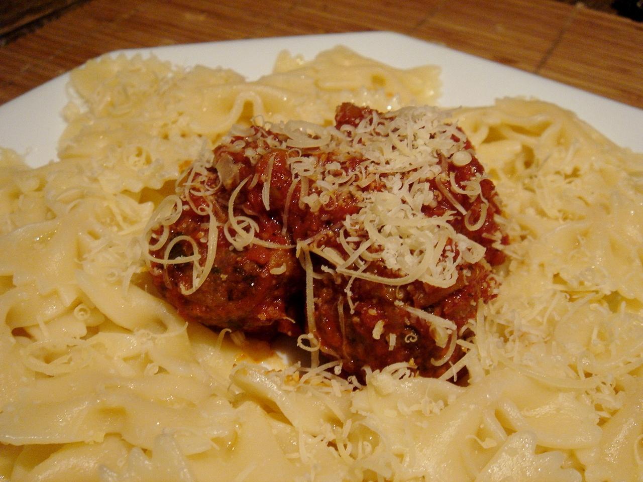 Kittencal's Italian Tomato Pasta Sauce and Parmesan Meatballs