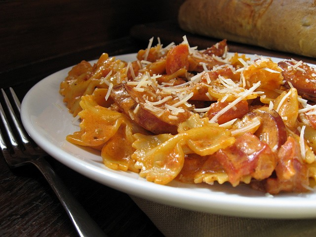 Bow Ties With Sausage, Tomato, and Cream