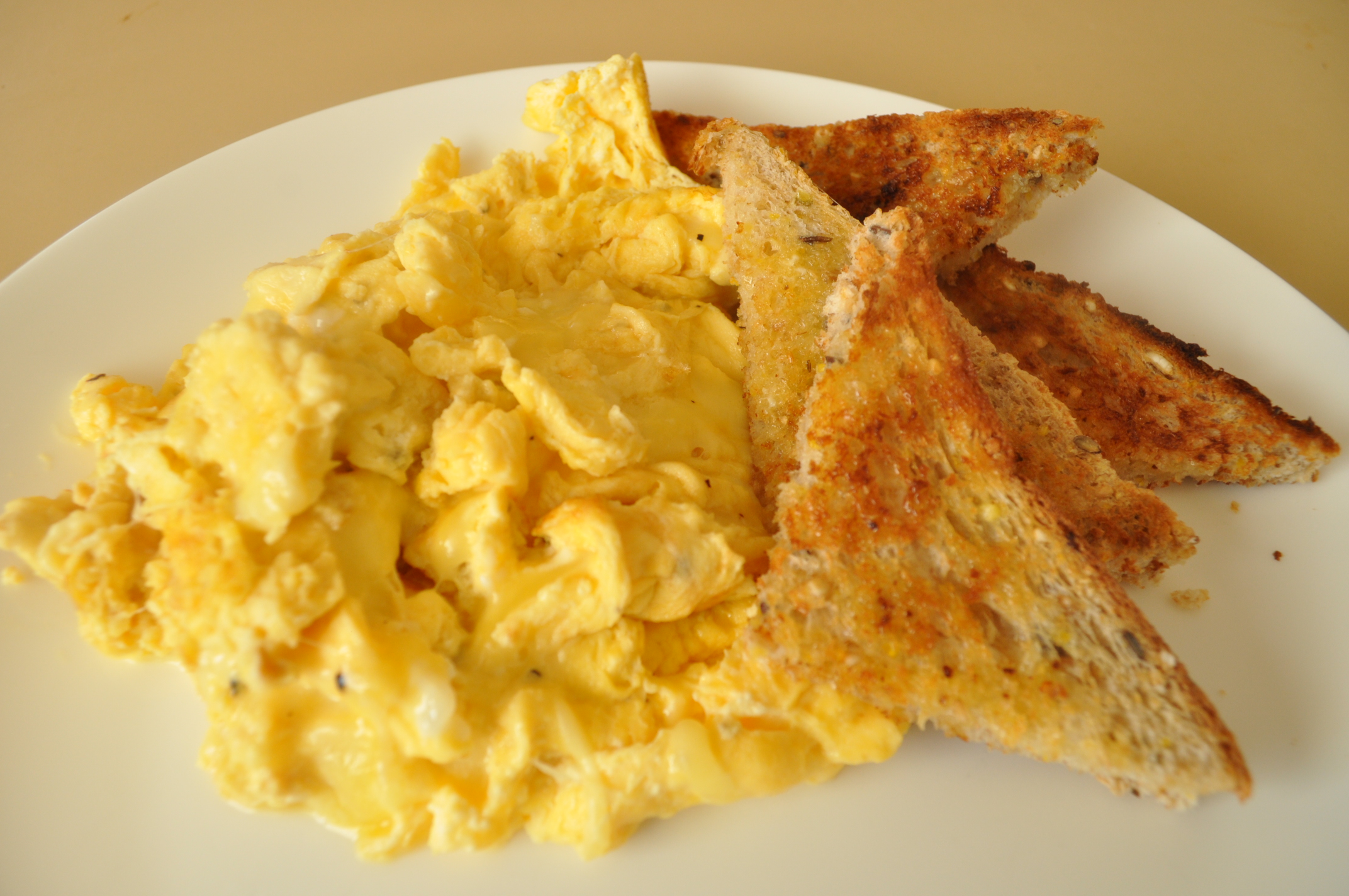 The Lady's Perfect Scrambled Eggs ( Paula Deen )