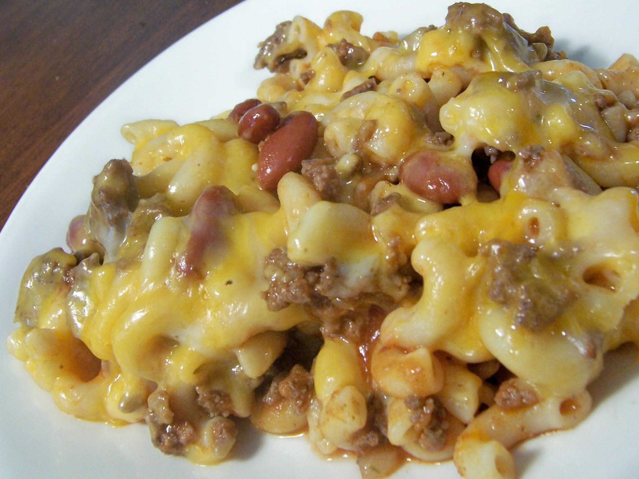 Easy Skillet Cheese-Topped Chili Macaroni