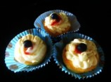 Very Vanilla Cupcakes With Easy Cream Cheese Frosting