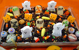 Spooktacular Halloween Graveyard Cake. Photo by Sue Lau