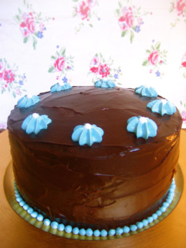 Old Fashioned Chocolate Cake With Glossy Chocolate Icing. Photo by Ameliacatt