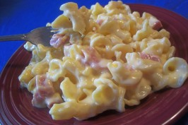 Iron Mike's White Sharp Cheddar N' Ham Macaroni and Cheese. Photo by *Parsley*