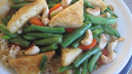 Laquered Tofu Triangles With Green Beans and Cashews. Photo by magpie diner