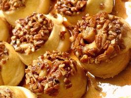 Schnecken (Sticky German Cinnamon Buns). Photo by GaylaJ