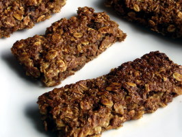 Healthy Breakfast Cookies and Bars - Fiber, Protein, and Fruit!. Photo by AmandaInOz