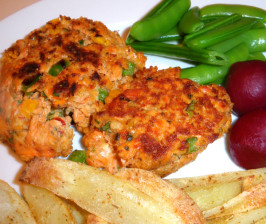 Deluxe Salmon Burger. Photo by Bergy
