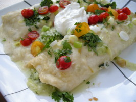Enchiladas De Calabacitas Con Salsa Crema De Chile (Zucchini Enc. Photo by Teddy's Mommy