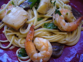 Olive Garden Seafood Portofino - Lower Fat!. Photo by cookiedog