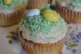 Easter Basket Cupcakes. Photo by kween_bee3