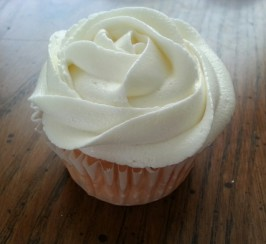 Vanilla  Buttercream Frosting (From Sprinkles Cupcakes). Photo by elisa1019