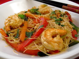 Stir-Fry Prawns / Shrimps With Vegetables and Fresh Thai Noodles. Photo by PaulaG