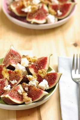 Fresh Fig and Feta Salad With Toasted Walnuts. Photo by Thorsten