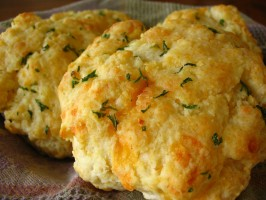 TSR Version of Red Lobster Cheddar Bay Biscuits by Todd Wilbur. Photo by Breezytoo