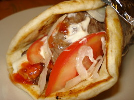 Gyros Quick and Easy (Donair / Donar). Photo by C. Taylor