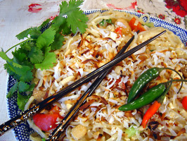 Thai Coconut Rice Noodles With Chicken. Photo by Sue Lau