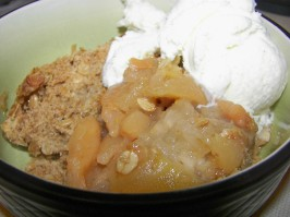 Homemade Apple Crisp or Apple Crumble. Photo by Baby Kato