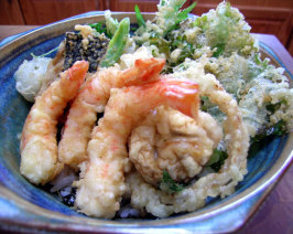 Tempura Donburi - Tendon - Tempura Rice Bowl. Photo by Rinshinomori
