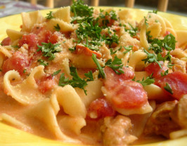 Pasta with Sausage, Tomatoes, and Cream. Photo by tunasushi