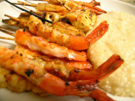 Barbecued Bourbon Shrimp With Cheddar Cheese Grits. Photo by Rinshinomori